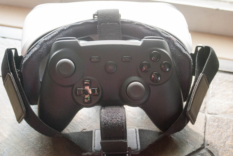 Bluetooth controller in front of Gear VR