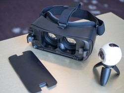 You can now pre-order the new Samsung Gear VR!