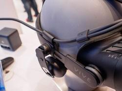 Grab the newer, thinner Vive 3-in-1 cable