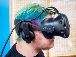 Do you need the Deluxe Audio Strap for HTC Vive?