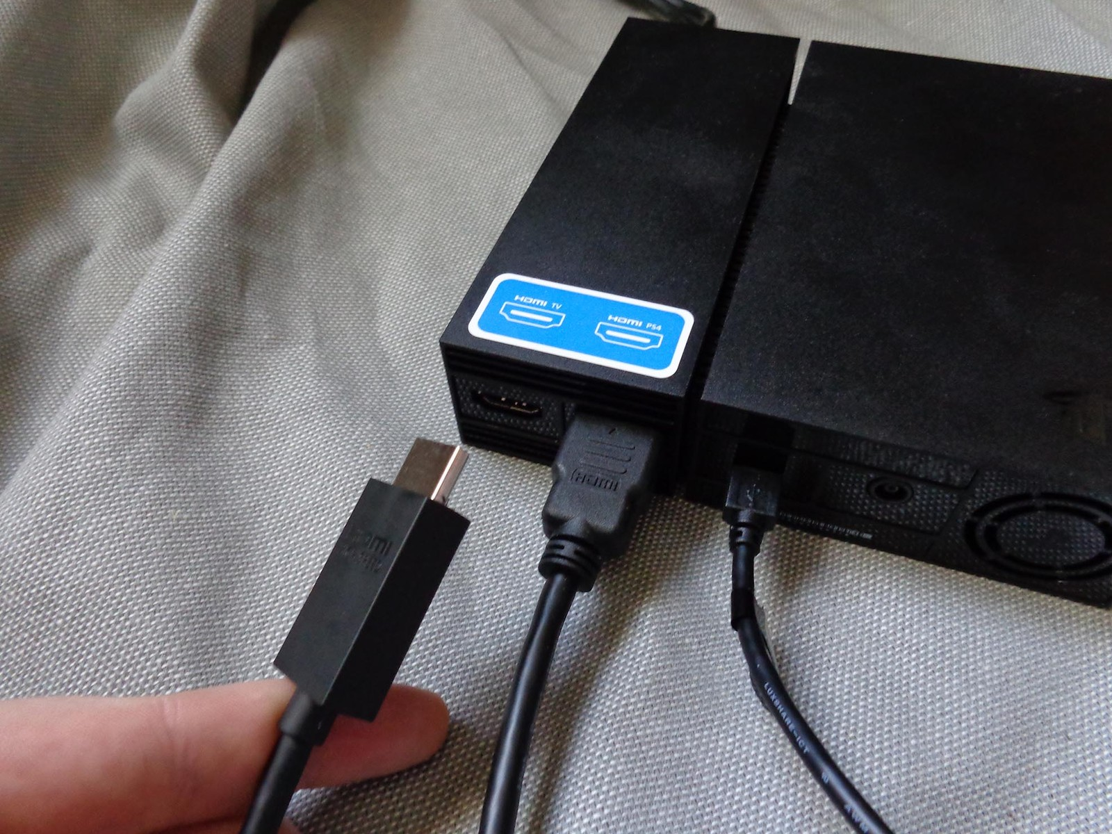 Swap out the HDMI cables one at a time.