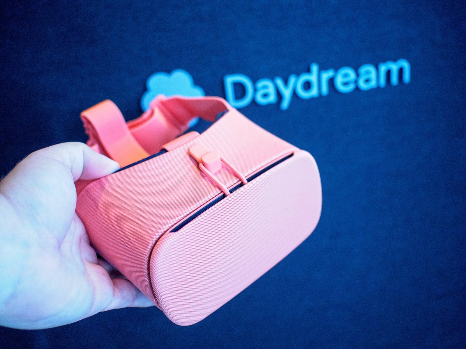 a559c29f64f I know what I m planning to do on Christmas Day  Get my family believing in  the dream that is Google s Daydream.