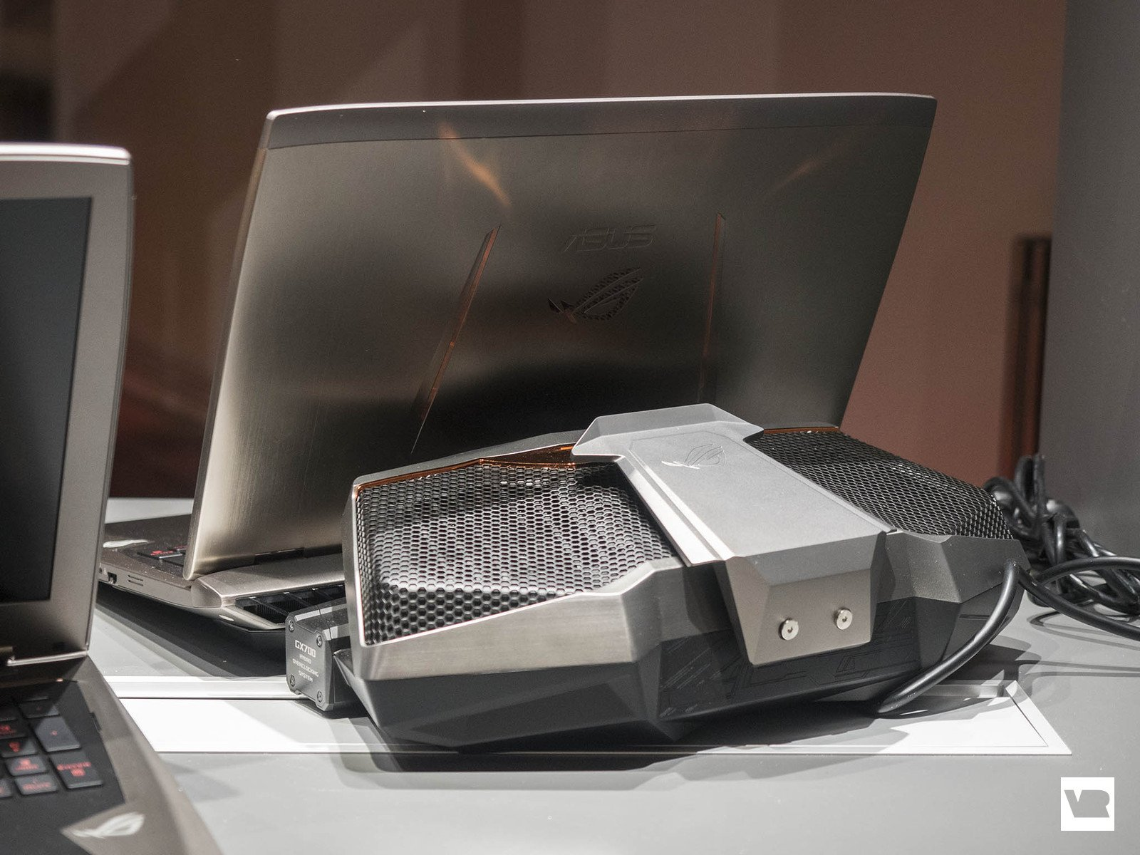ASUS Water cooled laptop