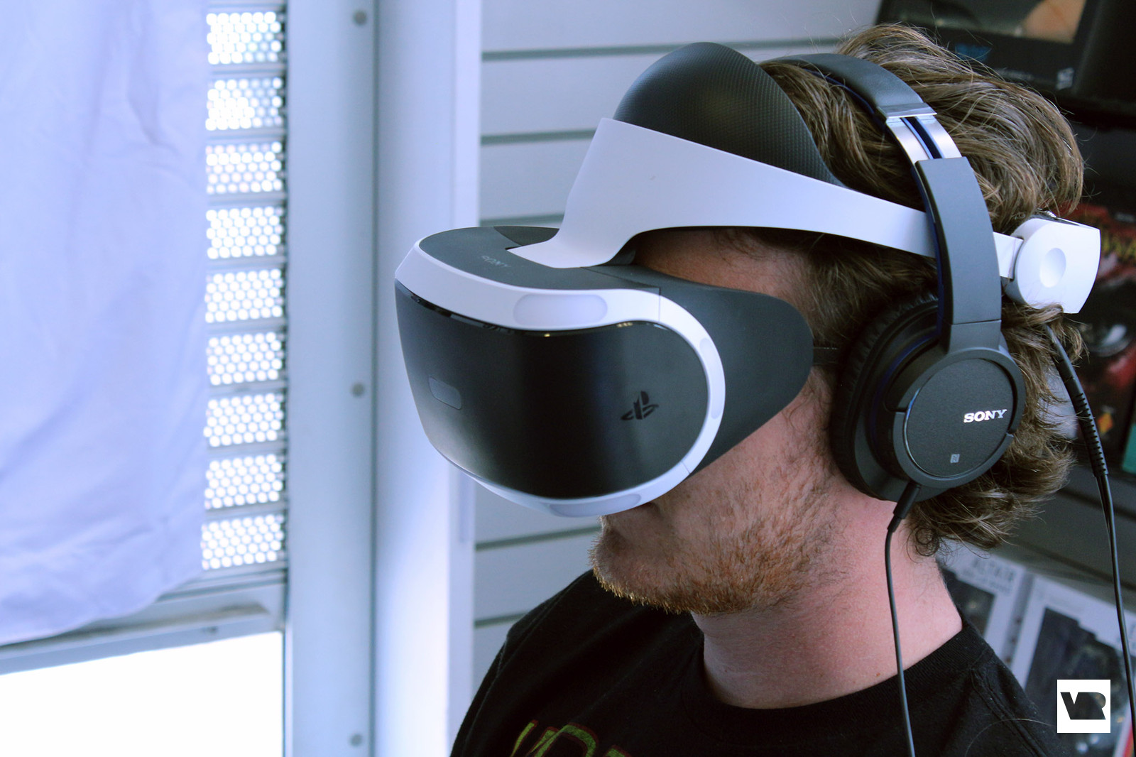Should You Buy Move Controllers For Playstation Vr Vrheads