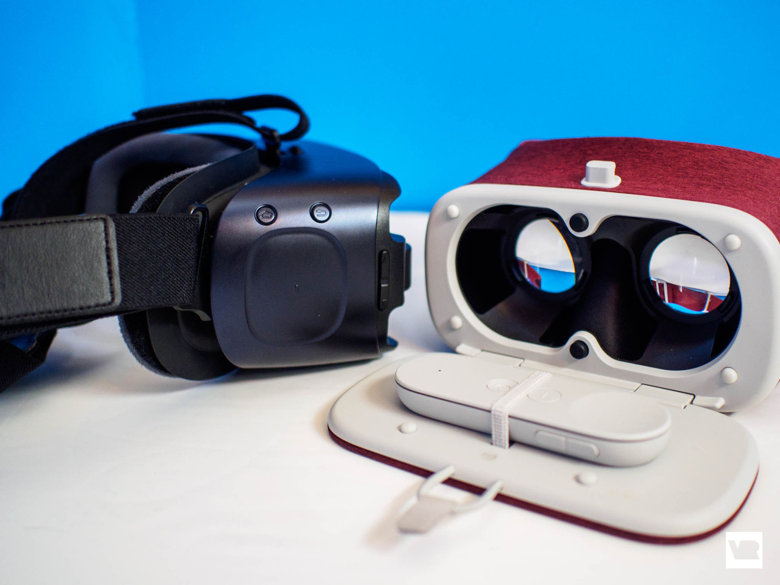 samsung gear vr vs google daydream view which should you buy vrheads